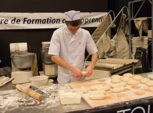 Fabrication du pain - L'art du boulanger.